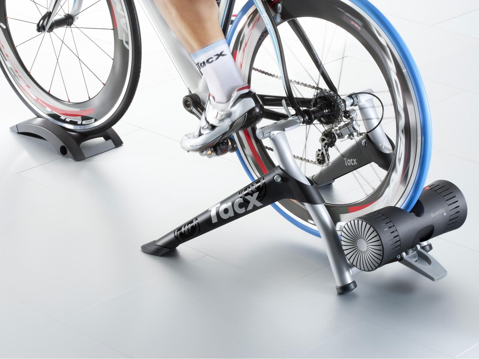 TACX Cyklotrenažér T2780 Bushido Smart (černá)